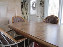 Dining room table and chairs in Cadiz, Kentucky