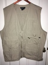 5.11 Tactical Vest Size XL Like New!! Tan/Khaki Color Lots of Pockets, Concealment in Joliet, Illinois