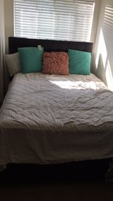 Queen bed set in Tacoma, Washington