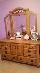 *BEAUTIFUL SOLID WOOD KING BEDROOM SET* in Naperville, Illinois