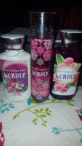 bath and body works 3pc set winterberry wonder in Naperville, Illinois