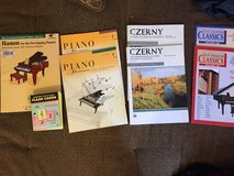 Piano Books and Flashcards in Glendale Heights, Illinois