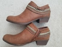 """Womens """"Sugar"""" Ankle Shoes/Boots 7.5 in Yorkville, Illinois"""