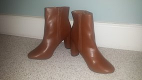 NEW!  Womens Boots - Sleek Simple Ankle Bootie - Size 8 in Lockport, Illinois