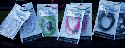 Stero Earphones $5 a package in Cherry Point, North Carolina
