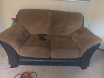 2 piece couch set in Tacoma, Washington