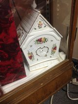 Royal Albert old country roses cookie jar in Fort Campbell, Kentucky