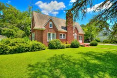 Old world charm and plenty of space! in Camp Lejeune, North Carolina
