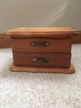 Sm wood jewelry box in Aurora, Illinois