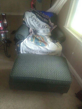 chair with oatman 4 sale today only in Fort Bragg, North Carolina