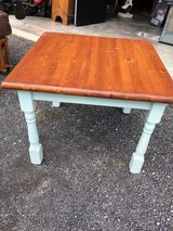 Small table in Plainfield, Illinois