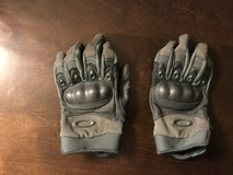 Oakley SI Assault gloves. in Fort Lewis, Washington