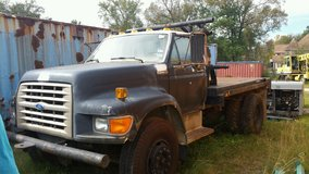 2004 freightliner crew truck in Kingwood, Texas