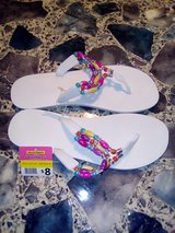 New Ladies Flip-flops Size 8-9 in Leesville, Louisiana