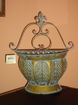 NWT metal decor in St. Charles, Illinois