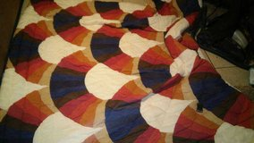Excellent condition comforter in 29 Palms, California