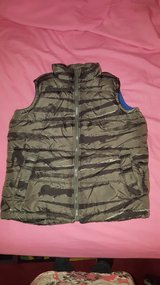 old navy vest small 6-7 in Naperville, Illinois