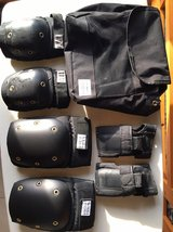 knee pad & arm pad comes with bag in Okinawa, Japan