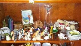 Tons of Small Trinkets & Figurines in Hopkinsville, Kentucky
