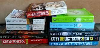 Lot of 10 Kathy Reichs Books-Hardbound & Paperback in Yucca Valley, California
