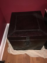 "20"" Cube coffee table trunk in Yorkville, Illinois"