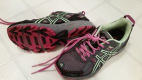 Athletic Shoes--Women's size 8 in Schaumburg, Illinois