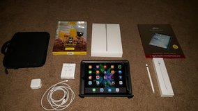 Apple IPad Pro 9.7 128gb Space Grey Cellular with Extras! in Camp Pendleton, California