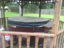 Hot tub ,seats 4 ,with cover, and steps call Alice at 281-455-4545 in Kingwood, Texas