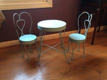 Ice Cream Parlor Table and (2) chairs DOLL SIZE in Joliet, Illinois
