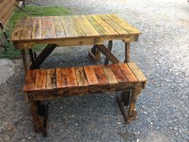 Pallet wood picnic table in Leesville, Louisiana