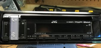 JVC KD-R988BTS CD receiver radio with speakers in Fort Knox, Kentucky