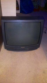 TWO TVS FOR 15 DOLLARS in Cherry Point, North Carolina