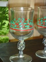 9 holly wine glasses in Bolingbrook, Illinois