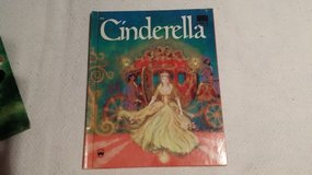 Cinderella - Wonder Book - 1976 in St. Charles, Illinois