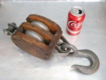 Antique WOOD BLOCK & TACKLE DOUBLE PULLEY in Travis AFB, California