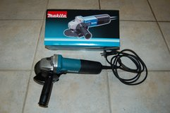 Makita Angle Grinder 220 volt in Spangdahlem, Germany