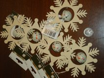 5 NWT snowflakes w/jinglebells in St. Charles, Illinois