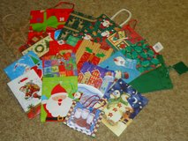 18 med. xmas bags in St. Charles, Illinois