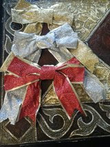 CHRISTMAS WIRED BOWS in Schaumburg, Illinois