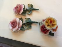 3 capodimonete  roses great shape. Or make offer in Conroe, Texas