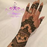 EyebrowThreading,Henna Tattoos for get together in Houston, Texas