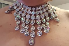 BALL GOWN NECKLACE & HAND JEWELRY - NEW in Stuttgart, GE
