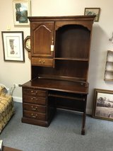 Desk and Hutch in Aurora, Illinois