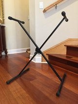 Keyboard stand. Very good condition in Travis AFB, California