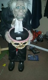 Halloween animated Butler prop in Yucca Valley, California