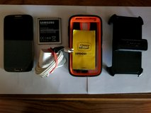 Galaxy s4 & accessories in Fort Campbell, Kentucky