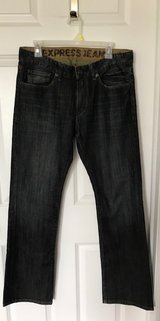 Mens/teens Express jeans size 31x32 in Plainfield, Illinois