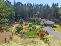AMAZING HOME ON 2 ACRES ... NEAR JBLM in Fort Lewis, Washington