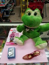 Frog hand puppet in Yucca Valley, California