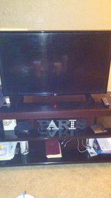 """47""""LG Smart Tv with the stand in Lawton, Oklahoma"""
